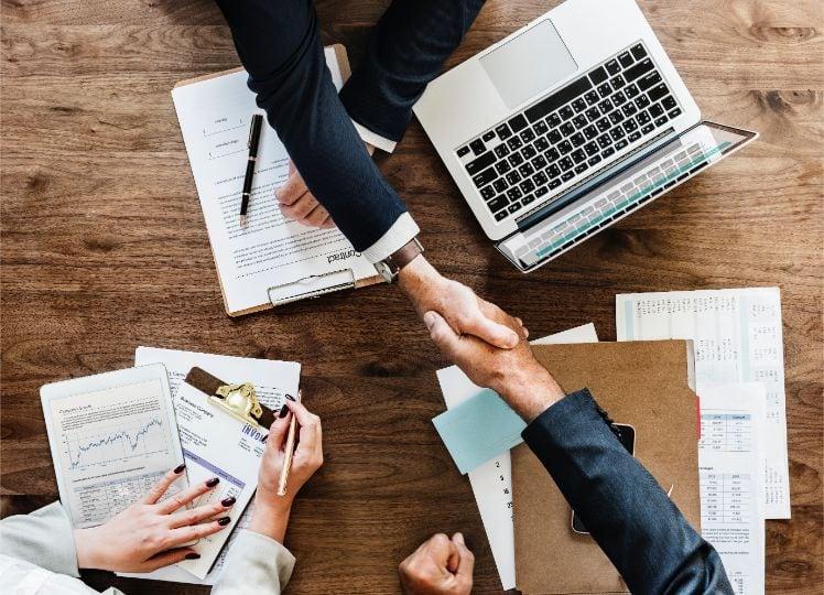 colaboracion entre empresarios- partner digital