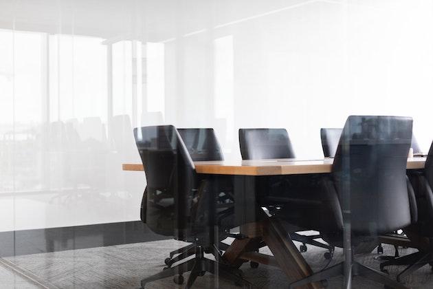 sala de reuniones vacia
